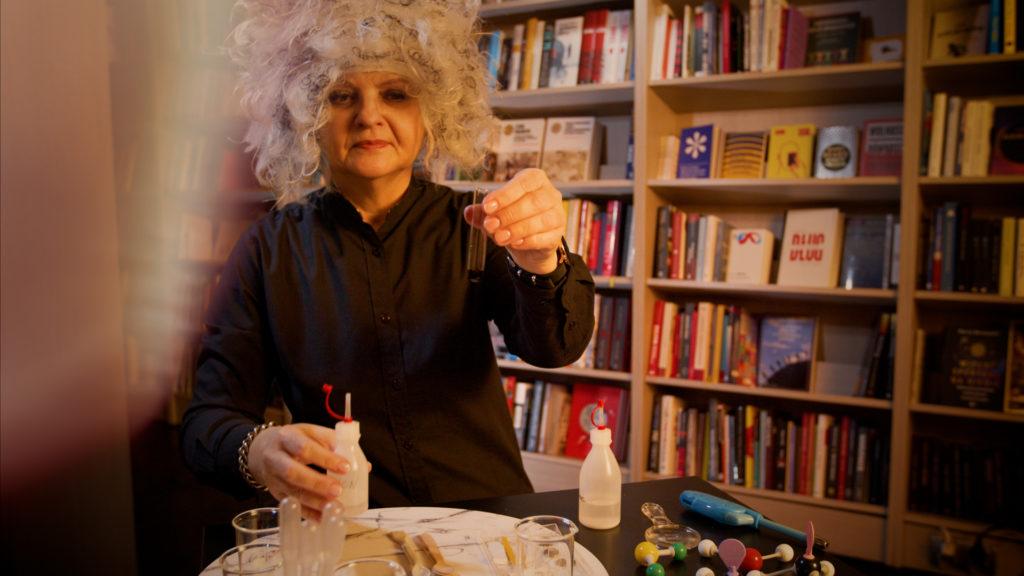 dr Małgorzata Krzeczkowska - autorka scenariuszy zajęć chemicznych